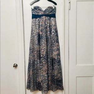 BCBG strapless floral gown 👗